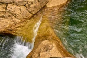 Espejillos yellow-brownish rocks